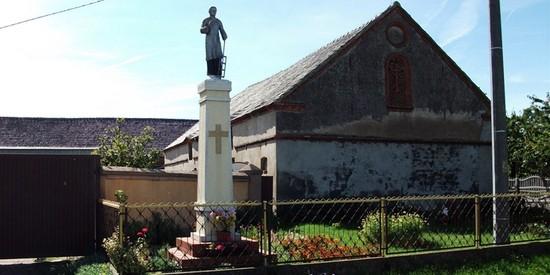 Nowy Gołębin Figura św. Wawrzyńca